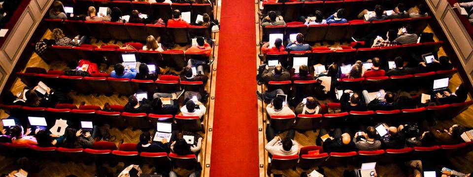 Las autoridades reivindican en la inauguración de iRedes el papel de las Redes Sociales para acercar la administración a los ciudadanos