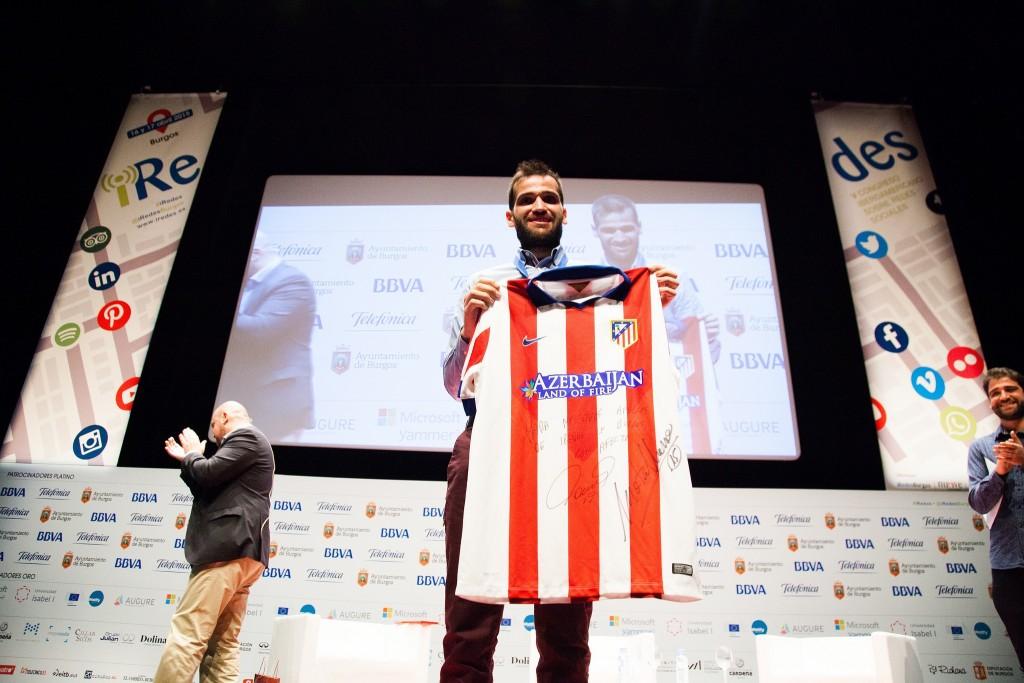 Carlos Matallanas con la camiseta de Fernando Torres. Fotos de Victoriano Izquierdo